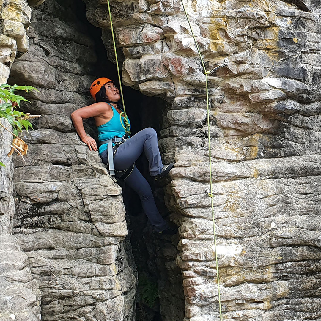 real rock climbing image 1
